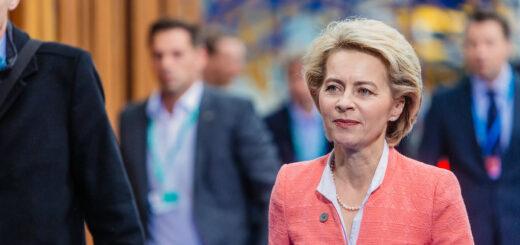 Ursula von der Leyen, présidente de la Commission européenne, très critiquée dans sa gestion de l'épidémie